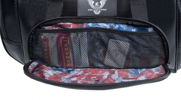 Duffel nutrition containment pockets